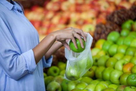 Ali res moramo porabiti toliko vrečk za sadje in zelenjavo?